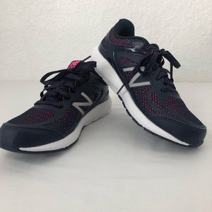 New Balance 519 Sneakers Size 6 Womans Brand New